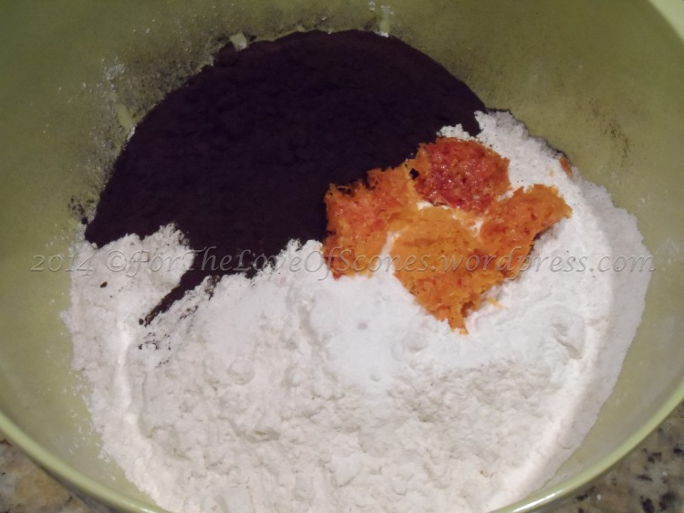 Combine the dry ingredients.
